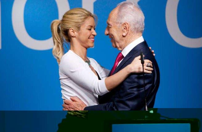 Shakira warmly greeting Israeli President