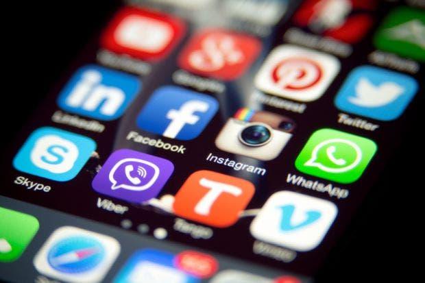 عطل فني يوقف  فيسبوك  و  انستجرام  في معظم دول العالم   البوابة