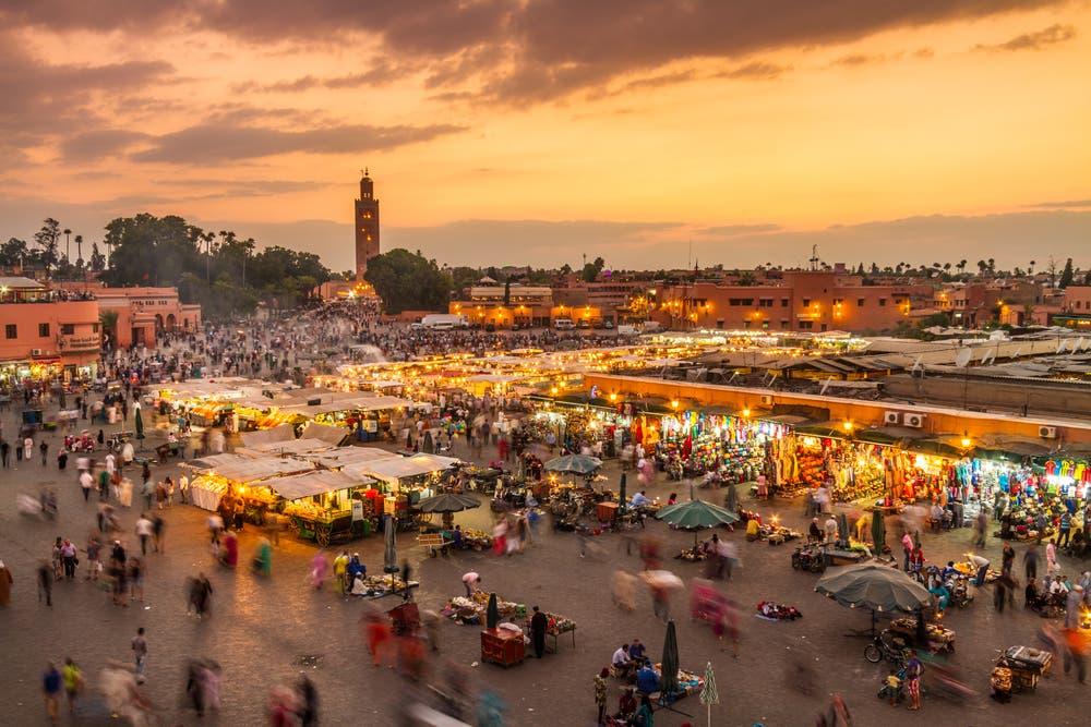 المغرب تتخذ إجراءات للحد من تهريب الملابس