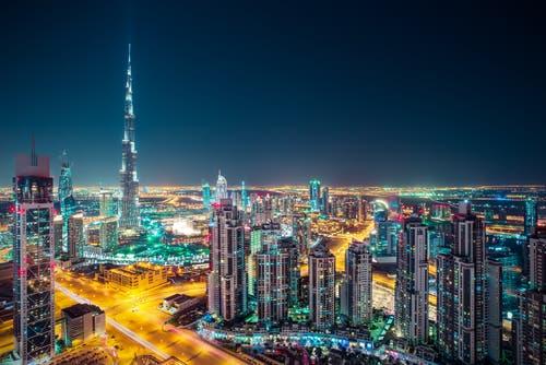 دبي: القطاع الخاص يواصل نموه القوي في أغسطس الماضي    البوابة