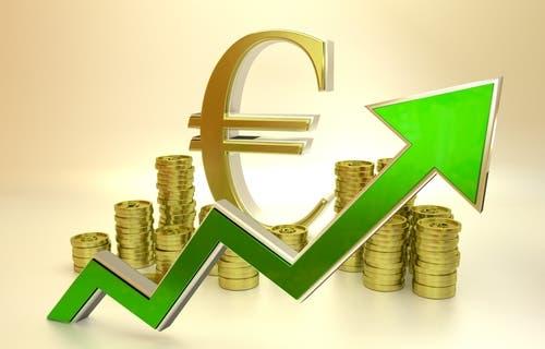 اليورو يحلق عالياً لأعلى مستوى منذ يناير