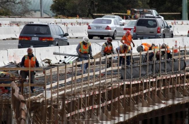 The number of work-related injuries in Egypt dropped by 7 percent in 2011 on the previous year