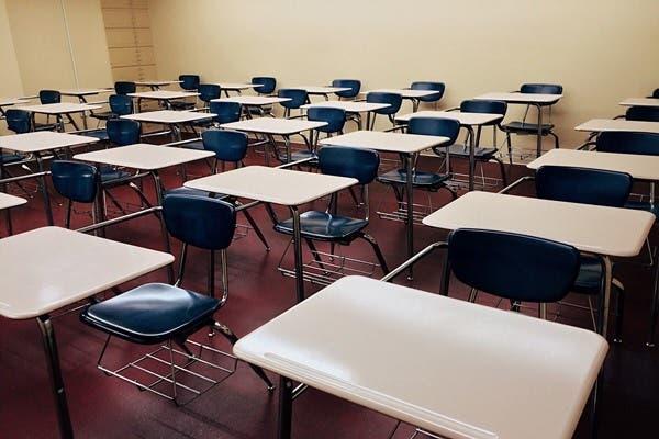 كم يكلف تعليم كل طالب حتى التخرج في الإمارات؟