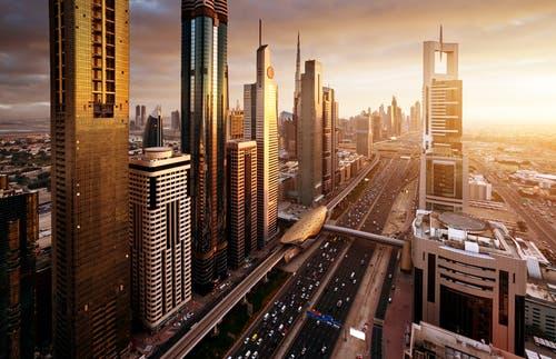 دبي تشهد تحسنًا اقتصاديًا قويًا خلال يونيو