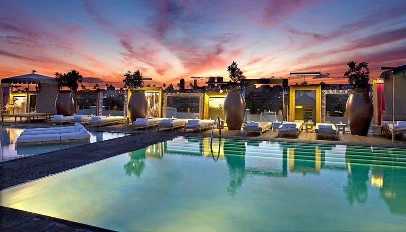 أغرب 8 حمّامت سباحة في الفنادق حول العالم (صور)