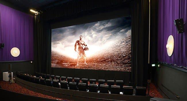 سامسونج تكشف عن شاشة عملاقة جديدة ثلاثية الأبعاد خصيصا لصالات السينما