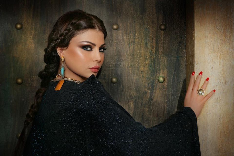 صورة: حجاب هيفاء وهبي يُغضب الجمهور