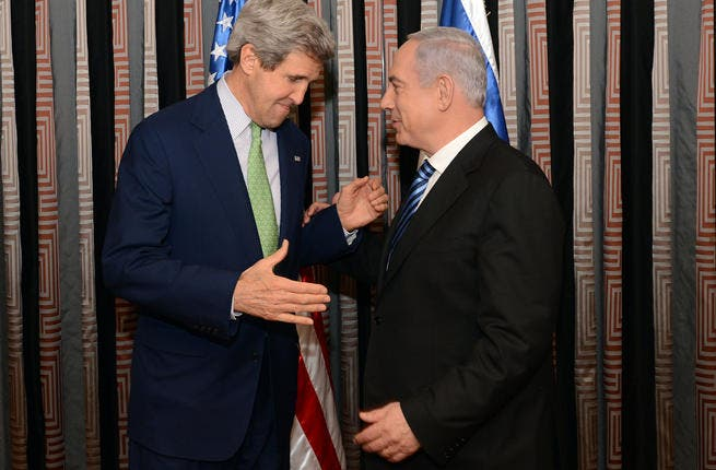 Netanyahu and Kerry, respect among two leaders. [wikimedia]