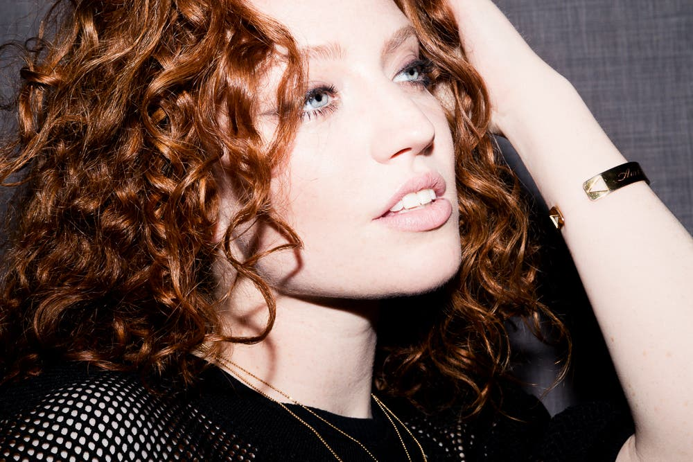 Hold Jess Glynne S Hand At Dubai S Meet D3 This Weekend