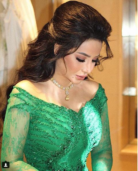 لجين عمران بإطلالة ساحرة في زفاف الأميرة نور بنت عاصم صور البوابة