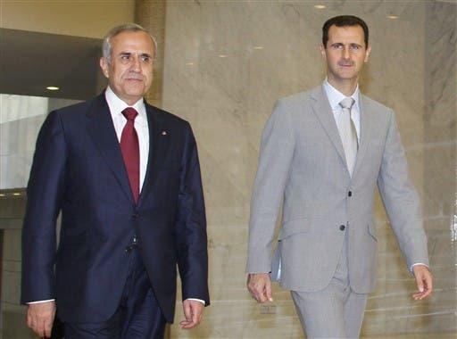 SYRIA, Damascus : Syria's President Bashar al-Assad (R) meets with Lebanese President Michel Sleiman at al-Shaab palace in Damascus on June 15, 2010. AFP PHOTO/LOUAI BESHARA