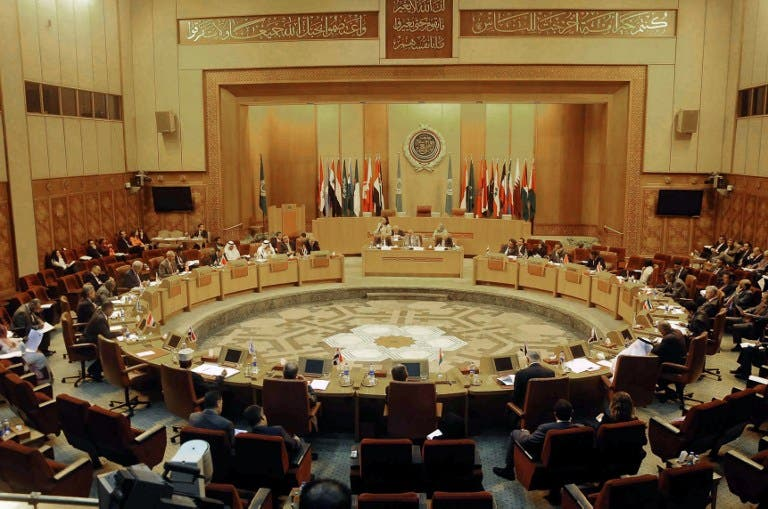 EGYPT, Cairo : Representatives of Arab countries hold an extra-ordinary meeting at the Arab League headquarters in Cairo, August 27, 2013, to discuss the latest political and military crisis in Syria. AFP PHOTO/STR