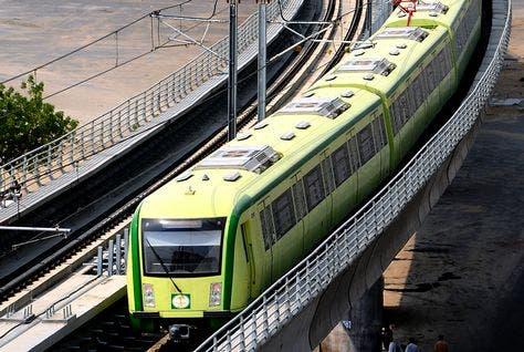 The proposed railway will link Oman to Kuwait via United Arab Emirates, Qatar, Bahrain and Saudi Arabia by 2018 (Courtesy of Arabian Business)