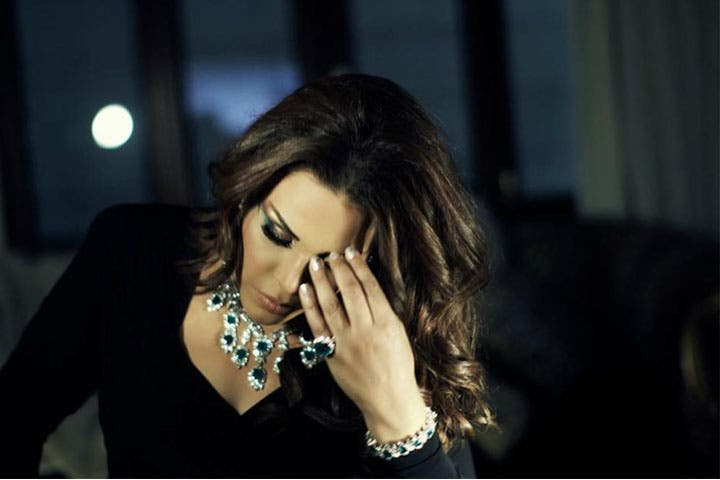 Singer Ahlam insists on insulting fellow co-workers and tweeps on Twitter! (Image: Facebook)