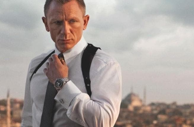James Bond with his Turkish backdrop.