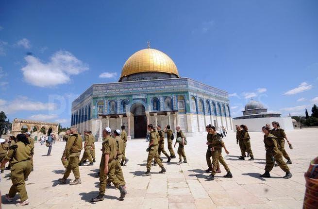 Israeli police stomp through ultra-sensitive Aqsa compound once again