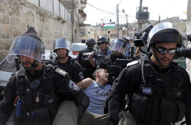 Israelis arrest hundreds of Palestinian youths in 2012, says report