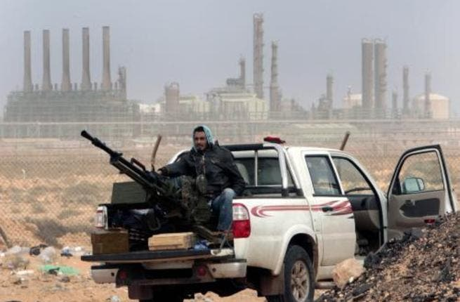 Libya is to provide Egypt with 900,000 barrels of oil a month from Libya starting in April