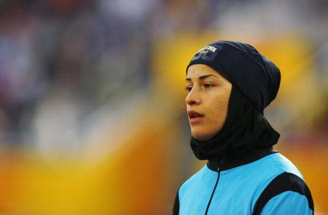 Hijab is no obstacle for Iranian athlete, Mina Pourseifi Jahankhanomlou