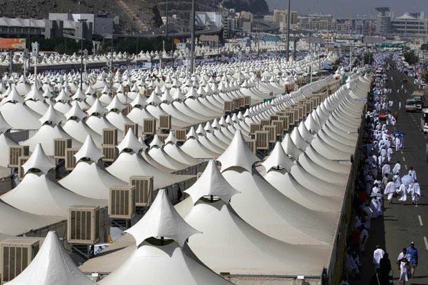 Tent pegs and pilgrims: Saudi to build multi-storey tents ...