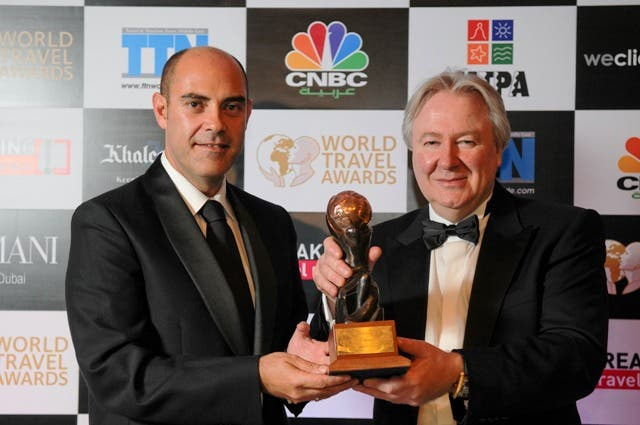 Alejandro Bernabé, the hotel's General Manager, receiving the award