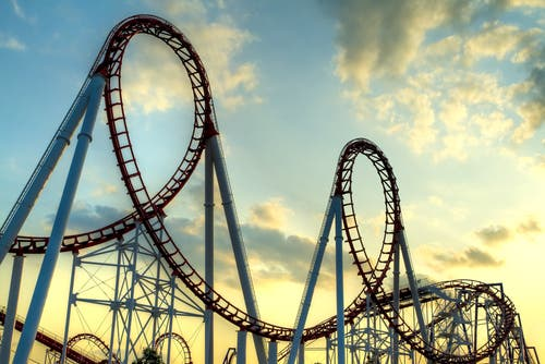 Bahrain's theme park will cover an area of 93,618 sq meters and will include amusement rides and the country's first indoor ski slope and full-size ice arena (Shutterstock)