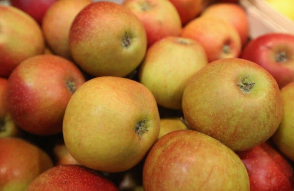 That's A LOT of rotten apples. (Al Bawaba file photo)