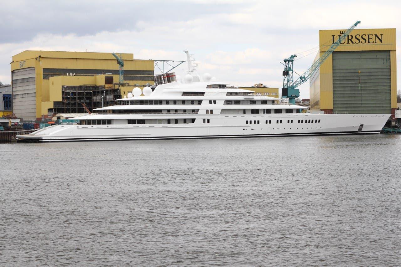 The yacht Azzam in its German shipyard. (Wikimedia Commons: Chris Karsten)