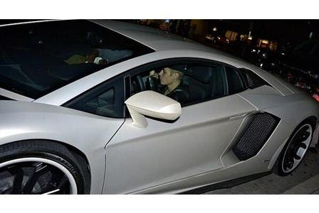 Justin was spotted driving around in a white Lamborghini. (Photo: Twitter)