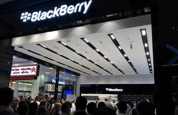 BlackBerry decided to pull the update after users reported loading issues and crashes.