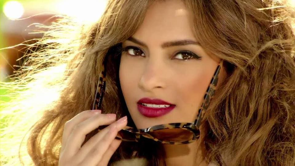 One of the looks Carmen sports in her new video. (Image: Facebook)