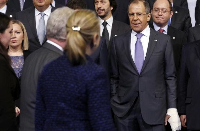 Clinton (back to the camera) and Lavrov on Thursday (Photo: Kevin Lamarque / POOL / AFP)