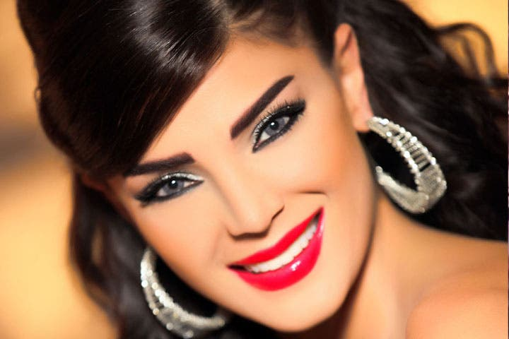 Singer Dina Hayek returned to her old and best-suited music genre: Romance! (Image: courtesy of arabicollection)