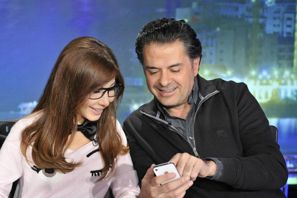 Nancy Ajram and Ragheb Alama will be sharing more than text messages soon! (photo courtesy of blogmox)