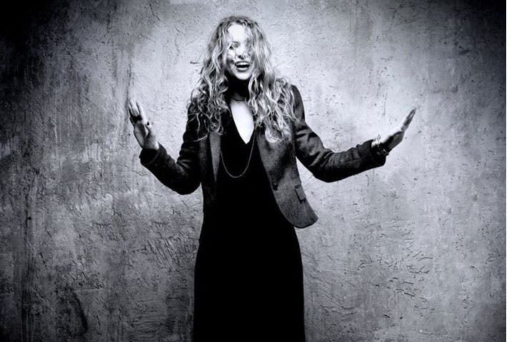 Nawel Ben Kraiem's virant smile and beautiful voice kept Cairo's audiences energized. (Image: Facebook)