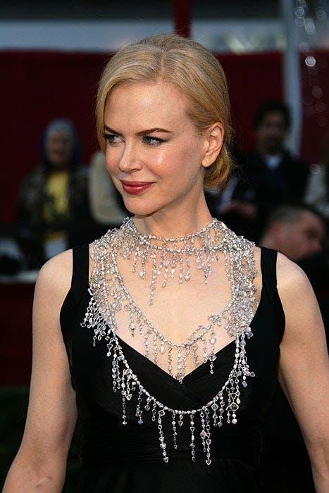 A Dubai diamond firm has hired a team of musclemen to safeguard Nicole Kidman's 2008 Oscars necklace.  (Photo: Glam Check)
