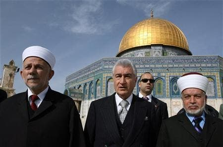 Jerusalem Mufti Mohamed Hussein (r) at the al-Aqsa mosque