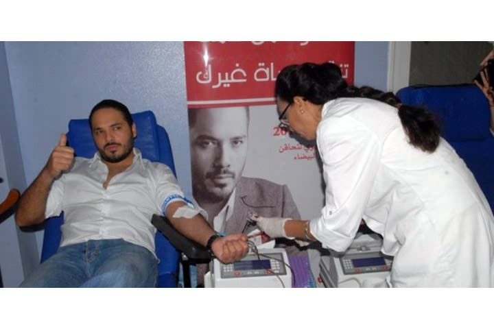 Ramy Ayach kindly donated blood to those in need in Morocco. (Image: Mininwes.com)
