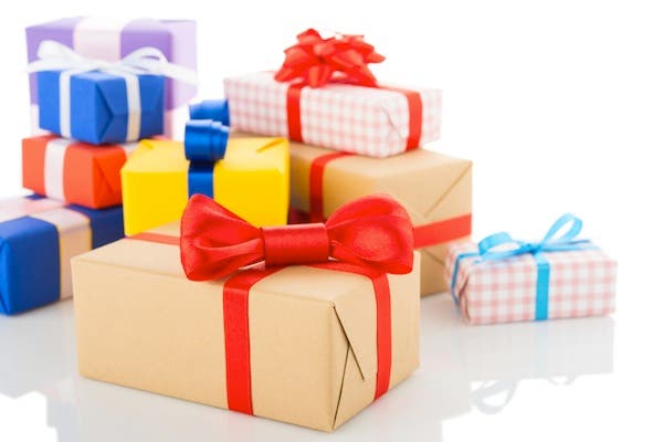 Muslim prisoners in Muslim will be receiving goody bags to mark Eid Al Fitr. (Gift box/Chukcha/Shutterstock)