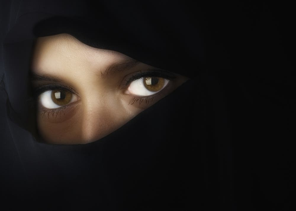 An undercover UK investigation revealed that Imams at some of Britain's biggest mosques were willing to marry off girls as young as 14. (Shutterstock)