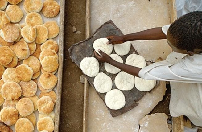 Bread shortages hit Sudan as president annuls decision to lift wheat subsidies