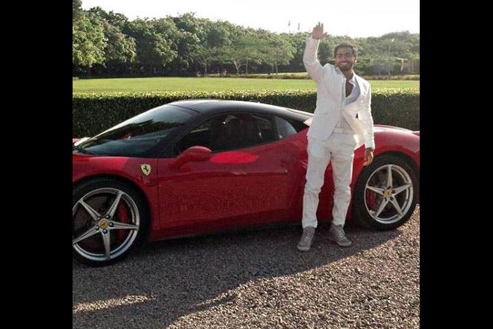 Tamer Hosny to tear up the roads in his brand new Ferrari! Now you want one, don't you?