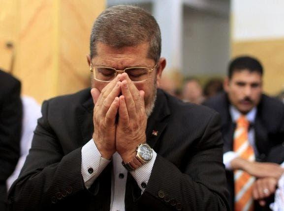 محمد مرسي لم يطلب شهادة مبارك في قضية  اقتحام السجون    البوابة