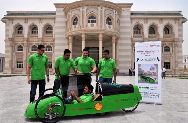 AUS Engineering Students with the Eco-Stallion Car