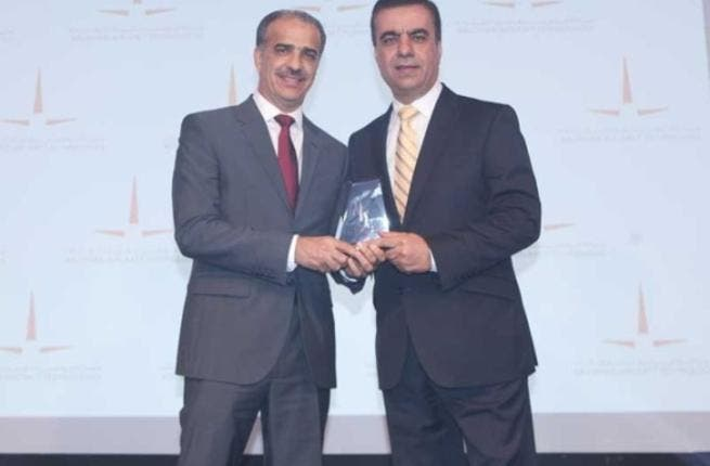 Adel Ali, Group CEO, Air Arabia receiving the award