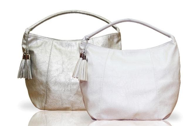 Free trendy handbag on a purchase of AED 399 and above across all Beautybay stores