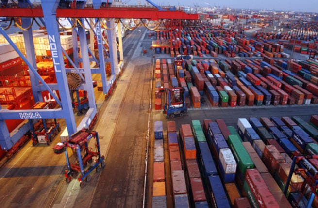 Statistics released showed a significant rise of 16 percent in the weight of the exchanged goods in Dubai up to 11.92 million tonnes from January to March this year