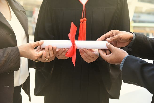There are a few mistakes hiring managers make when hiring fresh graduates. (Shutterstock)
