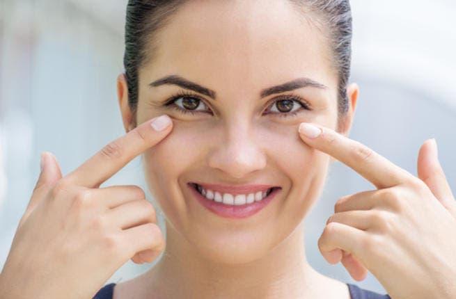 استعملي بيكربونات الصوديوم اسفل عينيك و انبهري بالنتيجة!