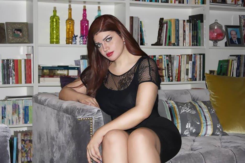 من جديد الإعلامية  ياسمين الخطيب  تتصدر تويتر بسبب  مؤخرتها !   البوابة